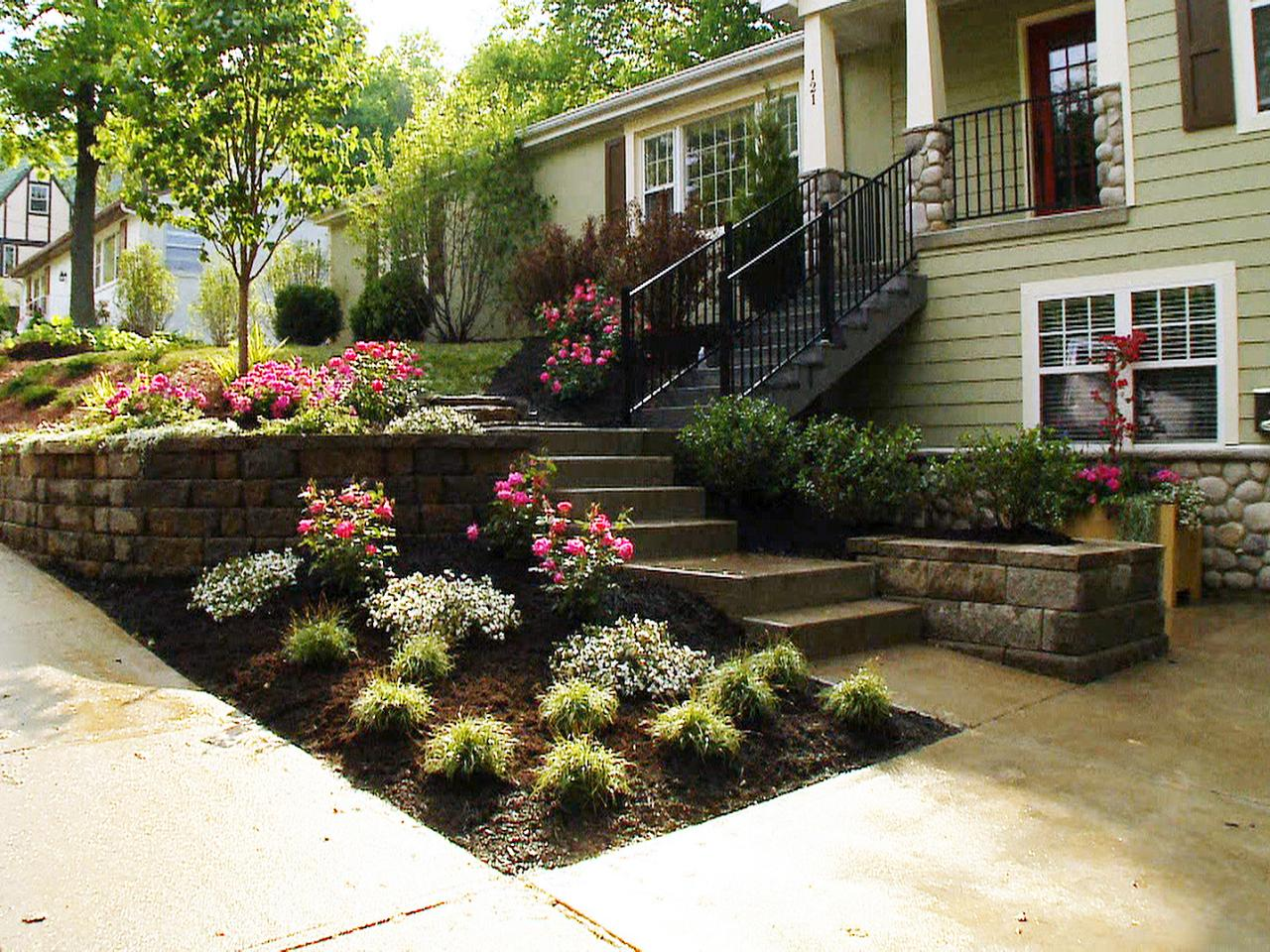 Front yard landscaping ideas diy landscaping landscape Small front lawn garden ideas