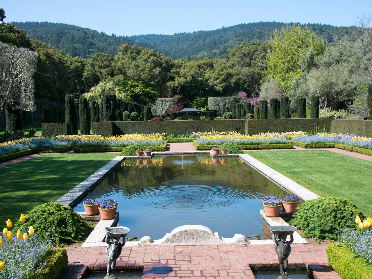 Famous american lawns and landmarks diy landscaping for Filoli garden pool