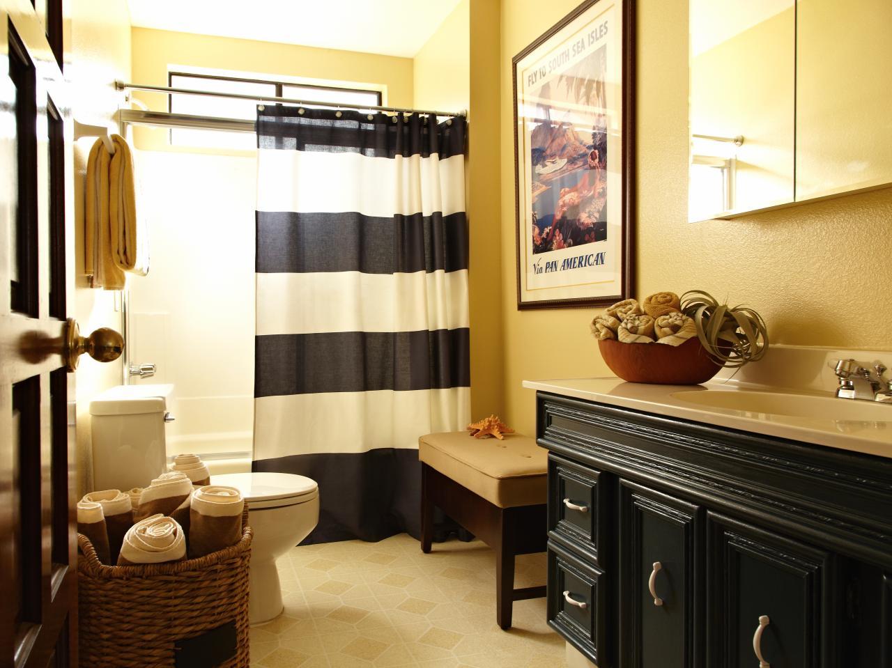 Beachy bachelor pad makeover diy home decor and for Black and yellow bathroom decor