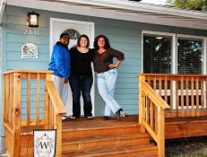 Homeowners on Porch: Remodeled Ranch Home in Salem, Ore.