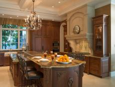 Kitchen: Fort Lauderdale Mansion