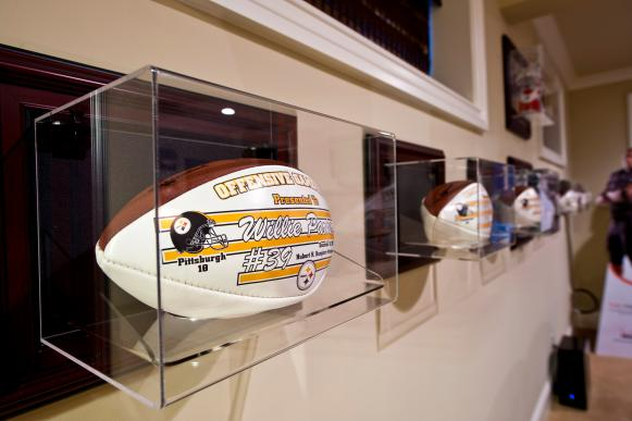 Sports Memorabilia: Willie Parker's Home in Durham N.C.