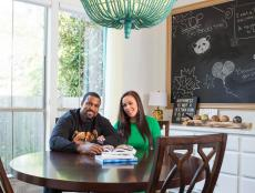 Kitchen Table: Duane and Devi Brown's Home in Bellaire, Texas