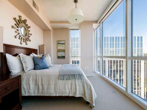 Dan Uggla's Penthouse, Room With a View