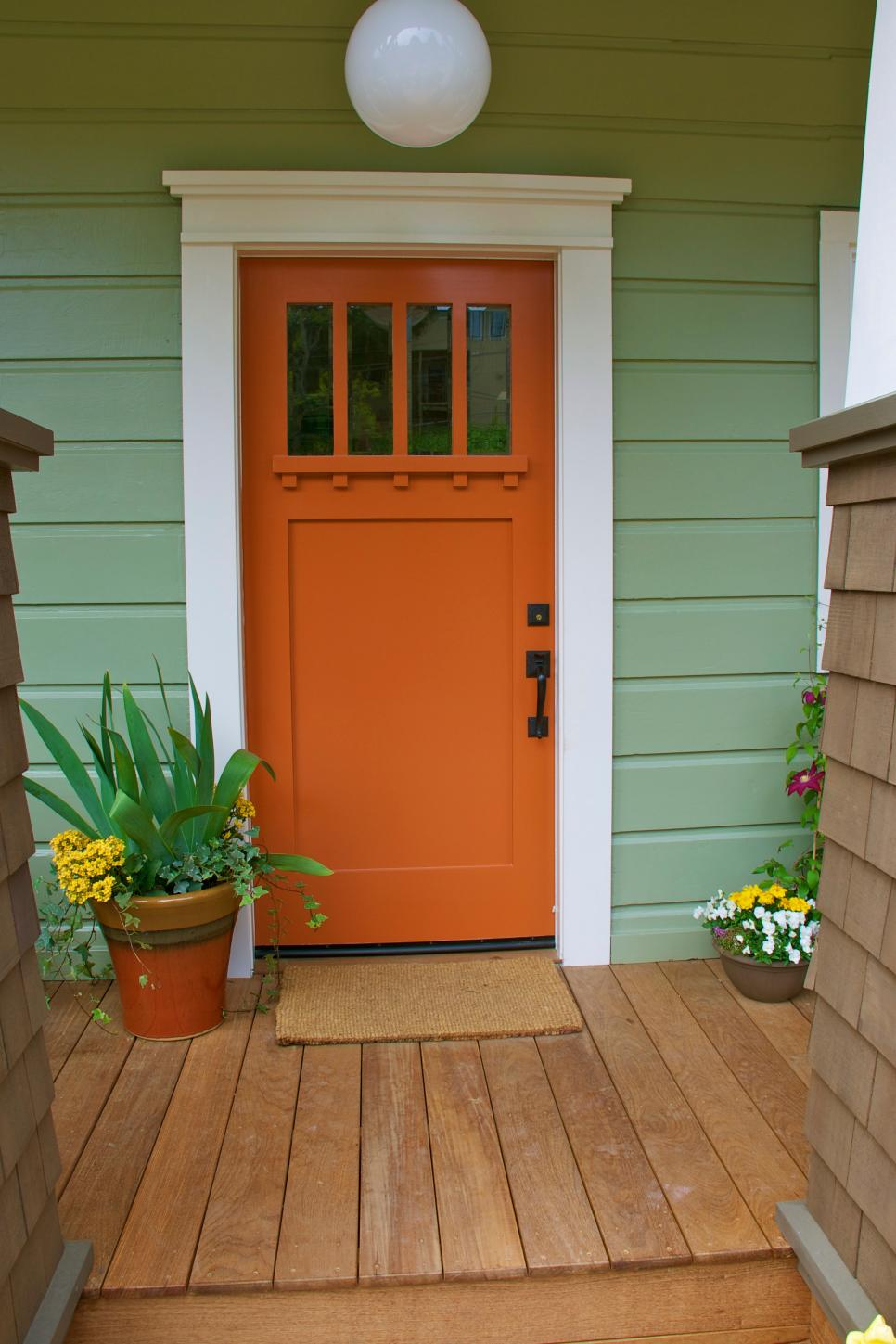 17 inviting front doors hgtv for Front entrance doors