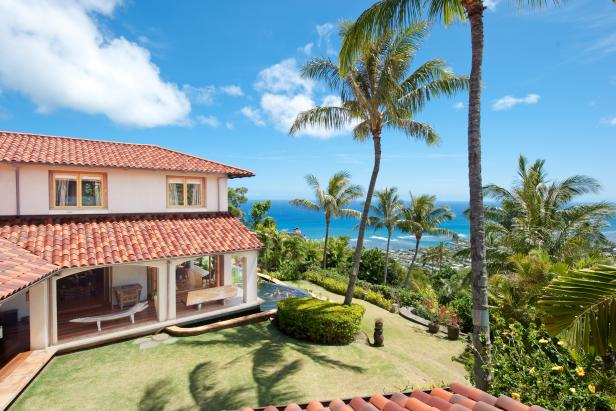 Ocean View: Custom Home with Ocean Views in Honolulu, Hawaii