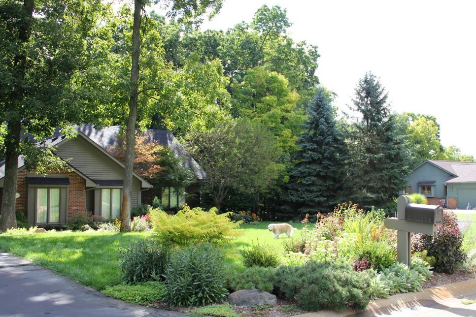 Front yard design ideas hgtv for Landscape design michigan