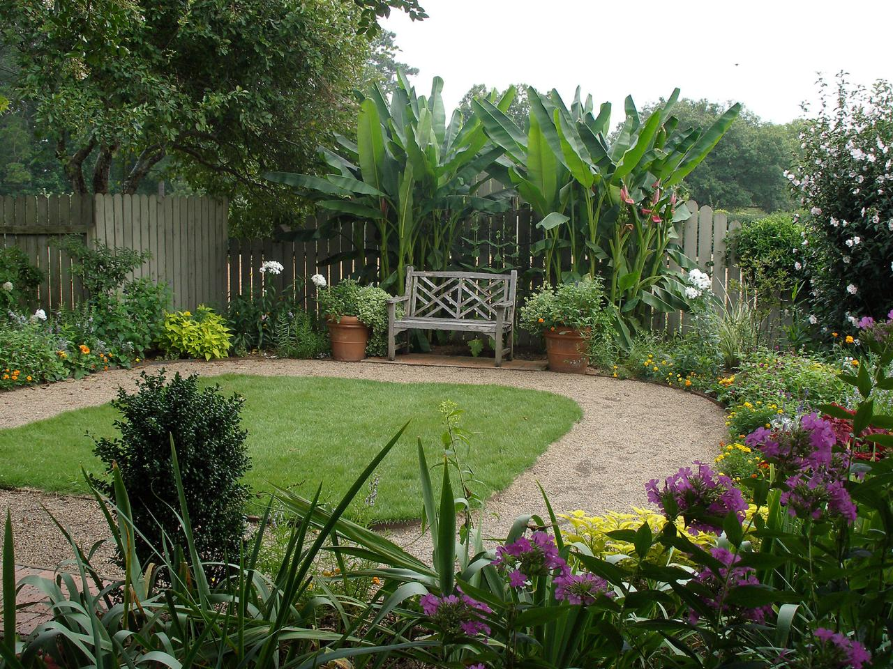 Basic landscaping tips for an empty yard hgtv for Simple garden design