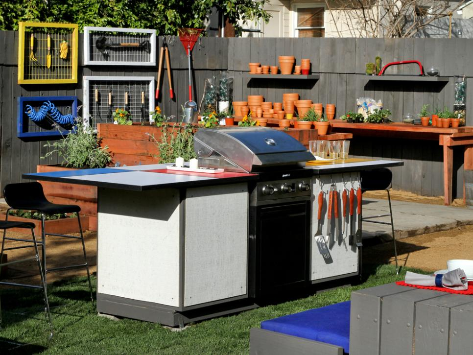 Outdoor kitchen ideas hgtv for Outdoor kitchen without grill