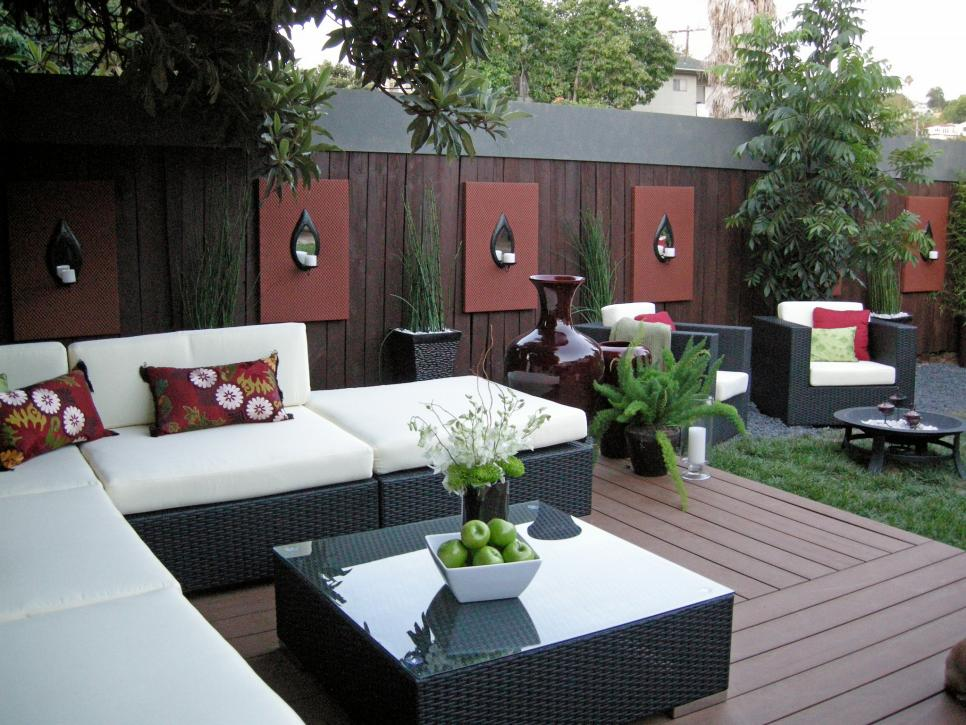 15 great white outdoor spaces hgtv - Outdoor room ideas pinterest ...