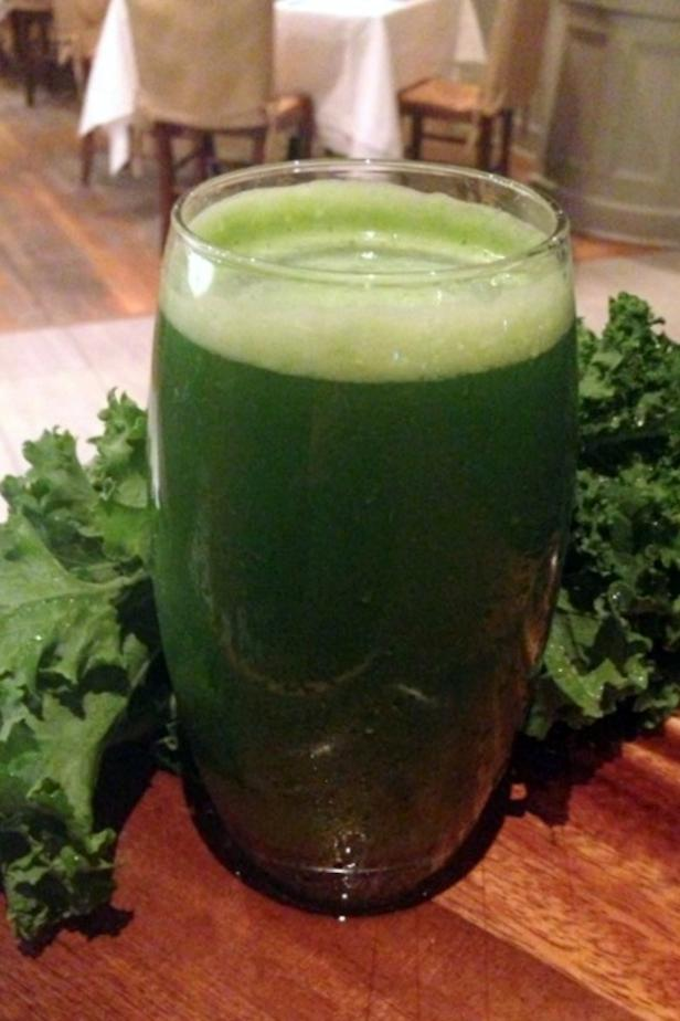 juicing with kale