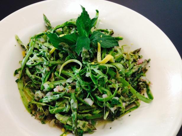 lemony asparagus salad