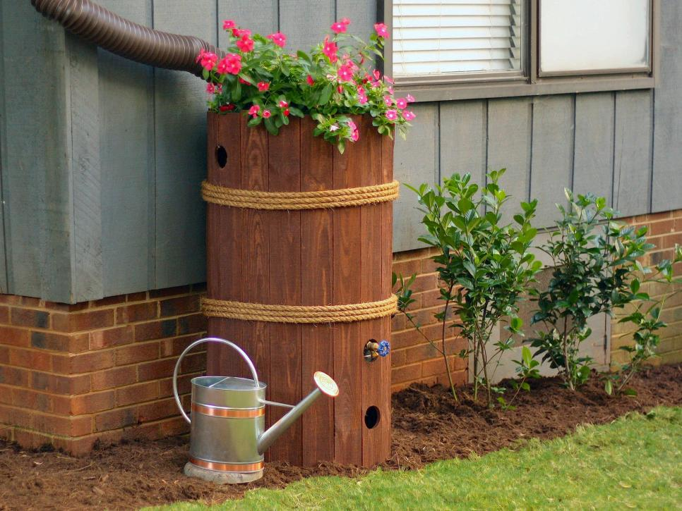 50 Gallon Flat Back Rain Barrel Embrace nature's solution to our emerging water shortage--collect rainwater. When drought sets in and rain is short, rain barrels can provide that precious water you need for your lawn and garden.