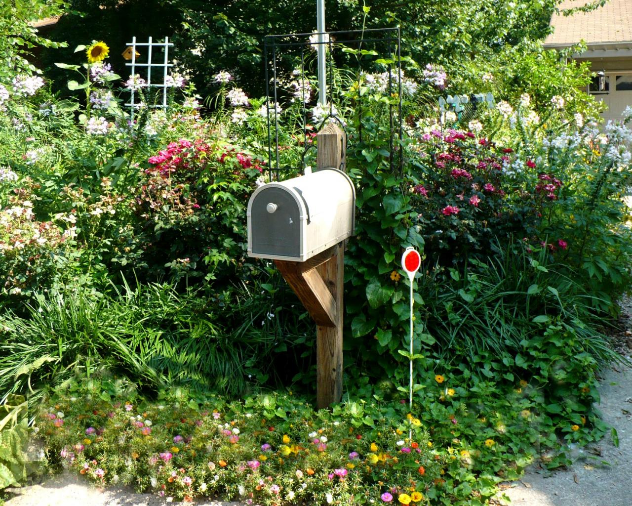 Mailbox Design Ideas all Mailbox Landscaping Ideas Gardening At The Curb