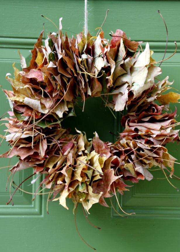 DIY: Colorful Fall Leaf Wreath