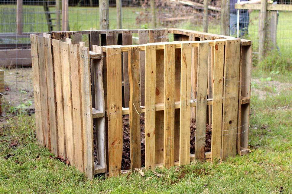DIY Pallet Compost Bin   HGTV
