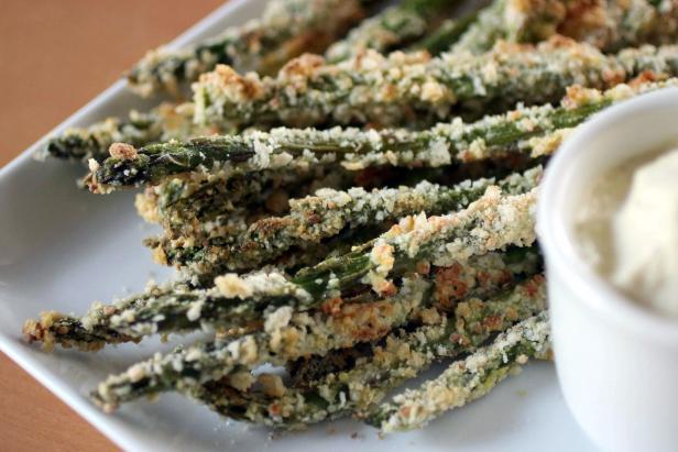 Baked Asparagus Fries with Lemon Aioli Recipe | HGTV