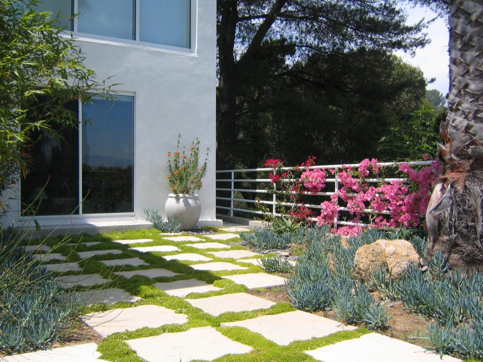 10 stunning landscape design ideas hgtv for Outside landscape design