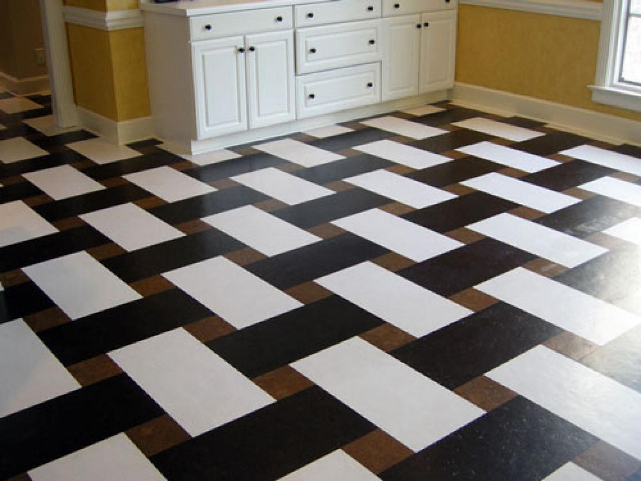 Cork flooring for your kitchen hgtv for Floor and flooring