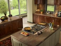 Traditional Kitchen Island With Gas Cooktop