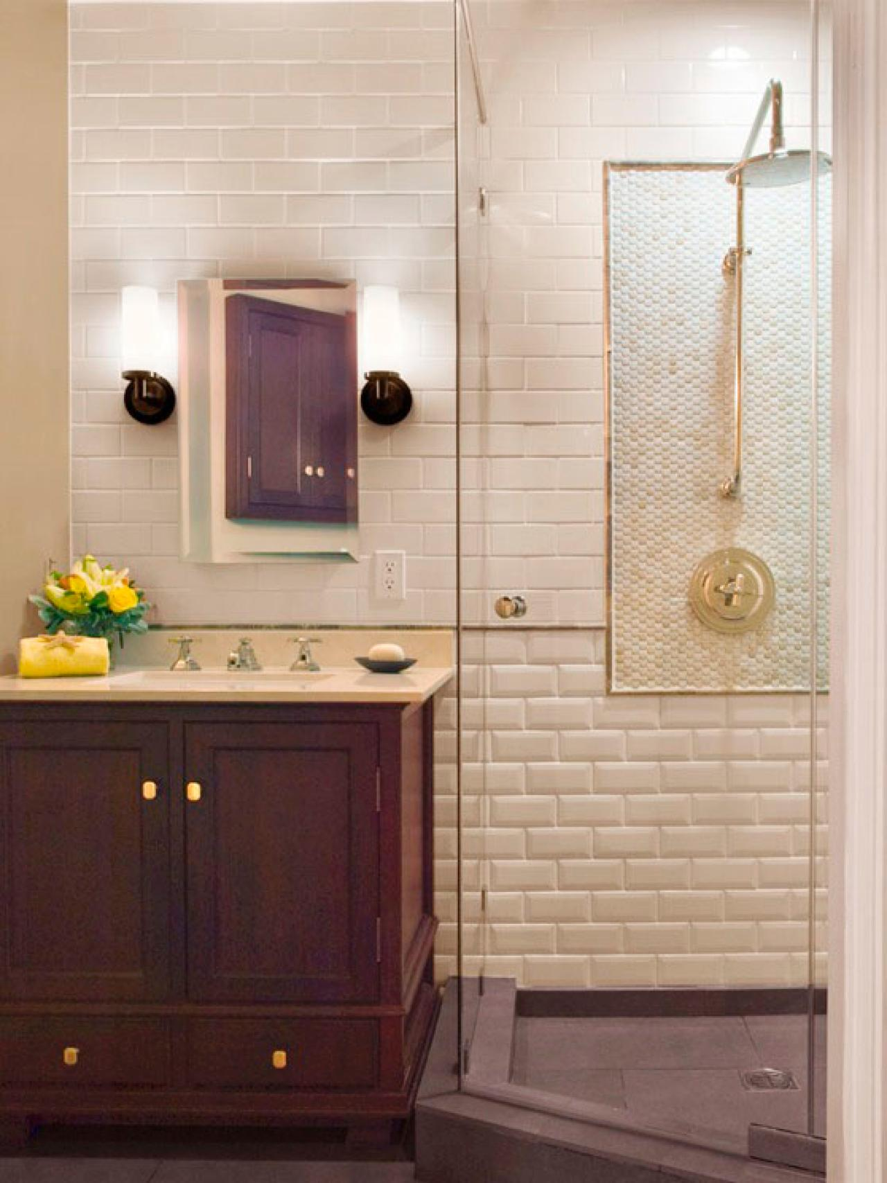 Three quarter bath hgtv for Bathroom layout design