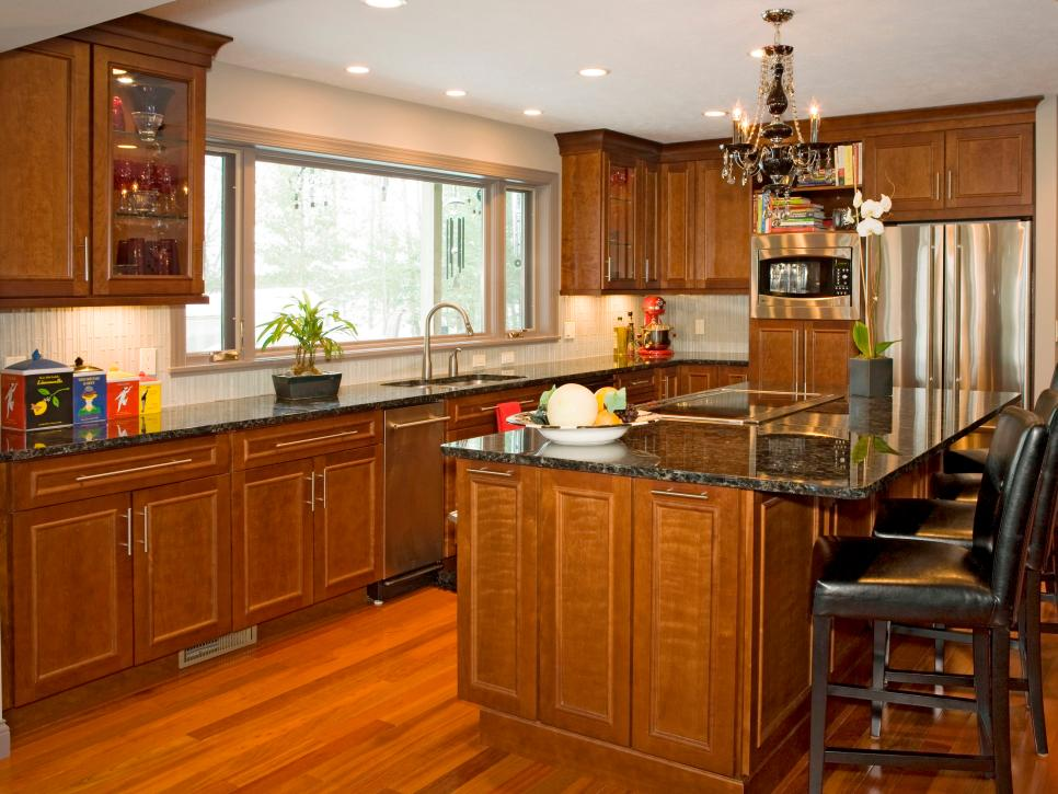 Kitchen cabinet styles and trends hgtv for Kitchen cabinets 50 style