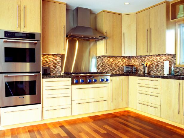 L shaped kitchen designs hgtv for L shaped living room and kitchen
