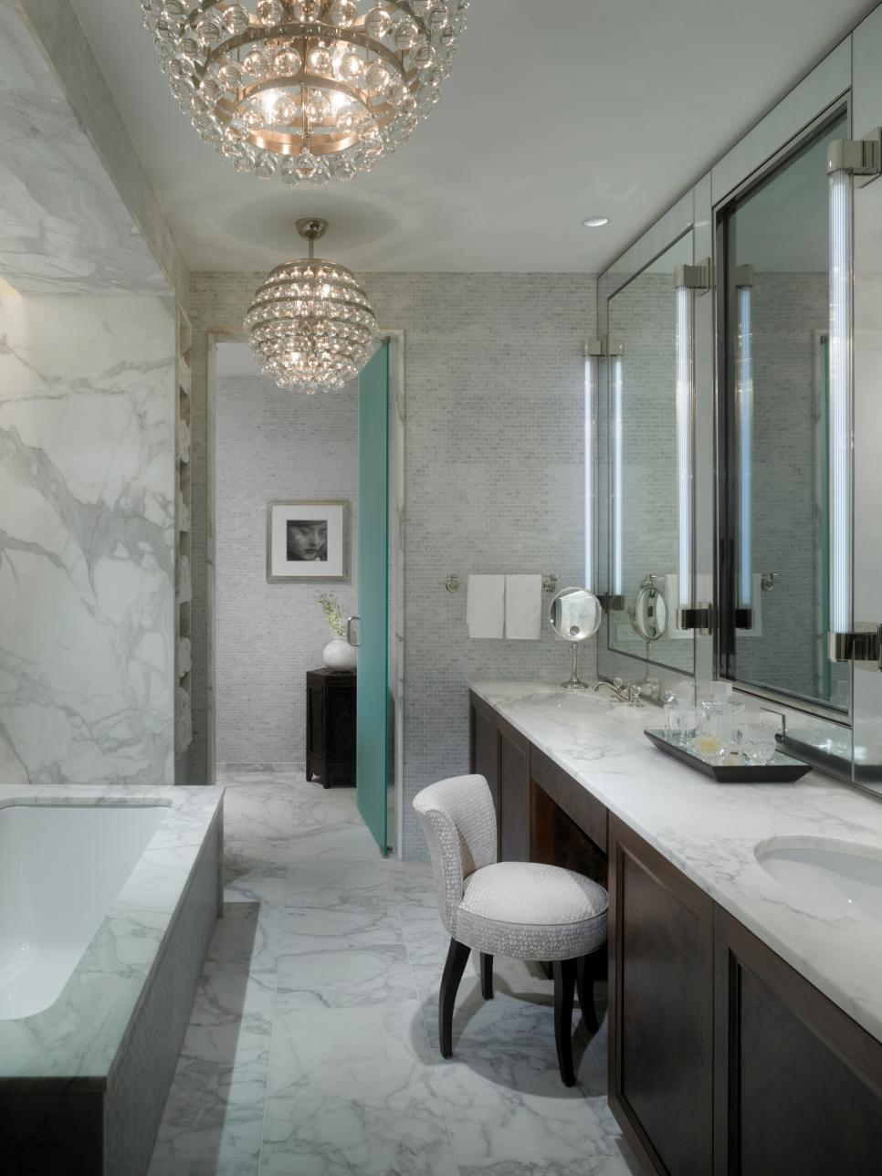 10 beautiful baths hgtv for Beautiful toilet designs