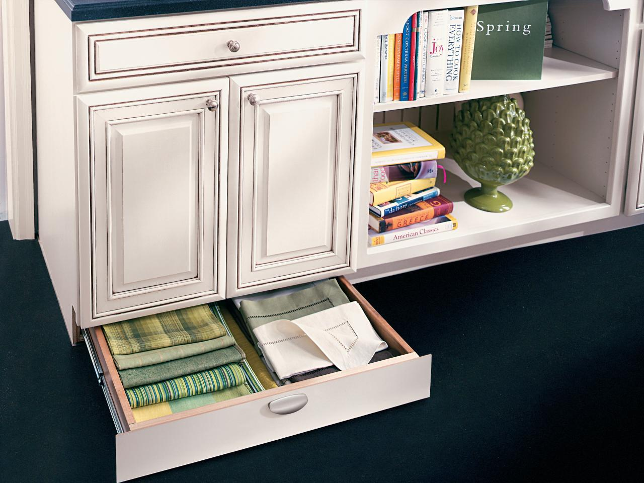 How to pick kitchen cabinet drawers hgtv for Kitchen cabinets with drawers