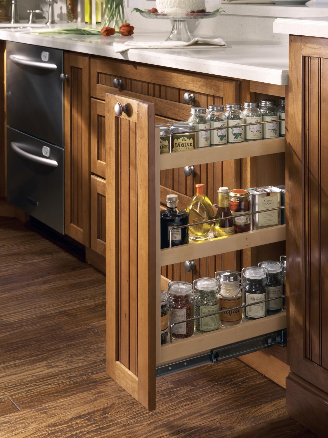 Kitchen cabinet buying guide hgtv for I kitchen cabinet