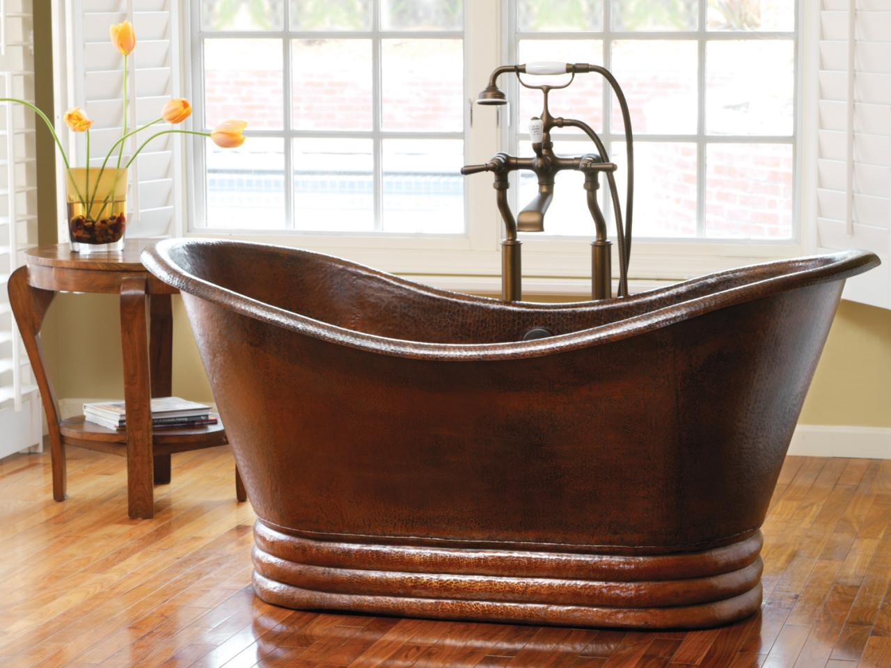 How To Choose A Bathtub HGTV - Free standing jetted soaking tub
