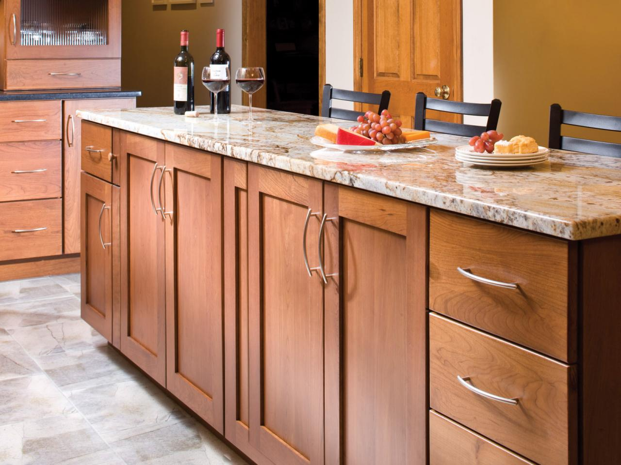 Kitchen construction design and layout - Dark Cabinet Finishes