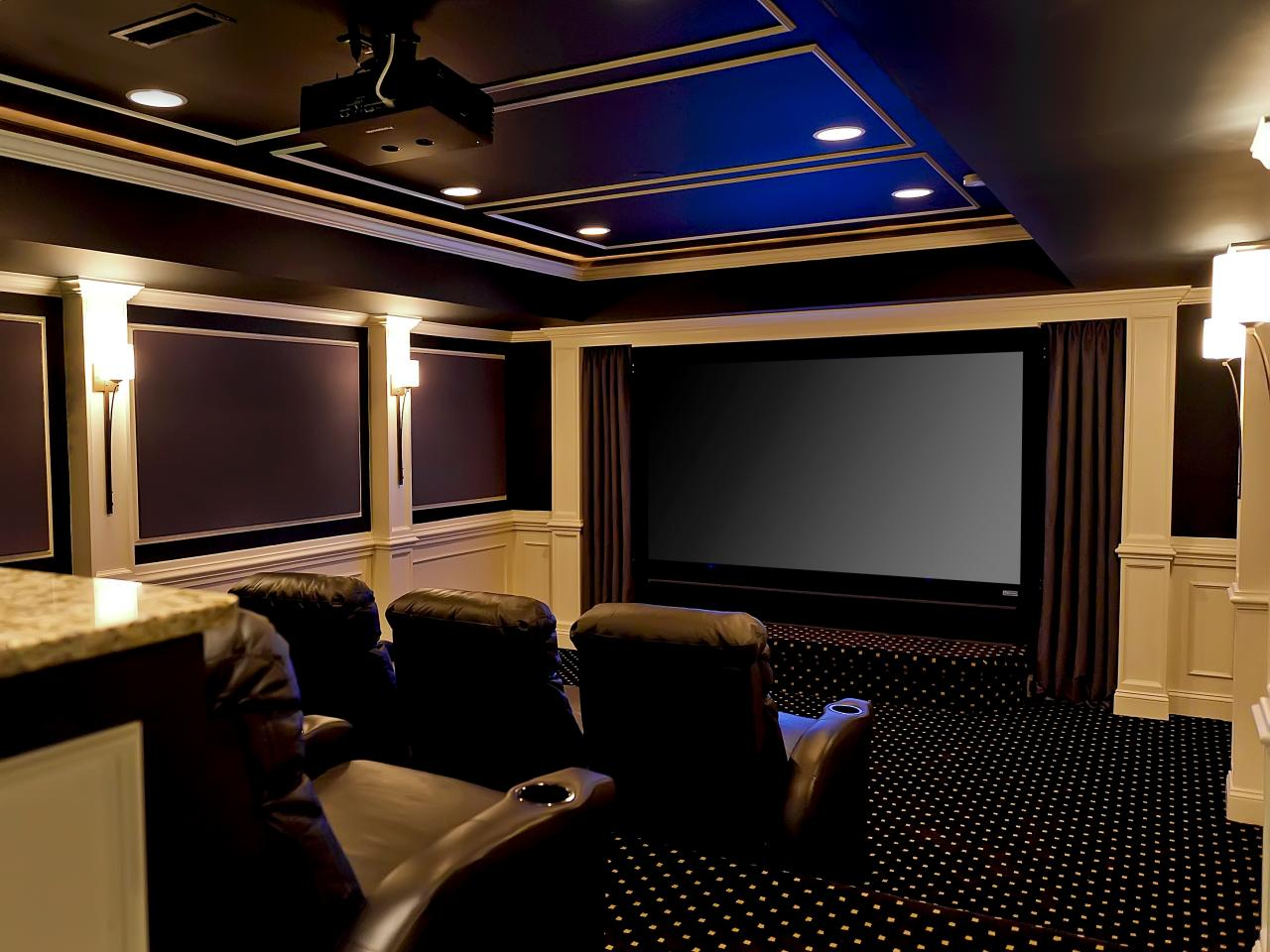 Basement home theater ideas pictures options expert tips home remodeling ideas for Home cinema interior design ideas