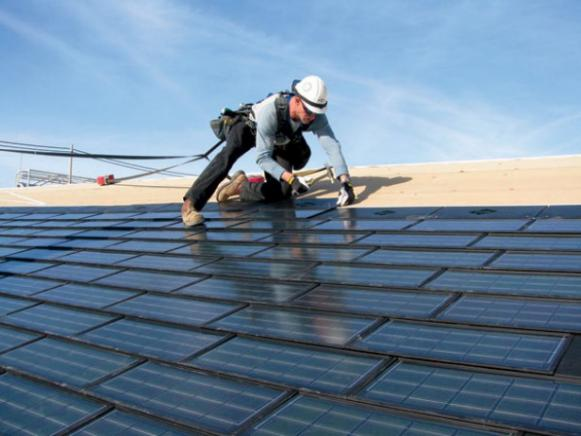 CI-Dow_Powerhouse-solar-shingle-installation_s4x3