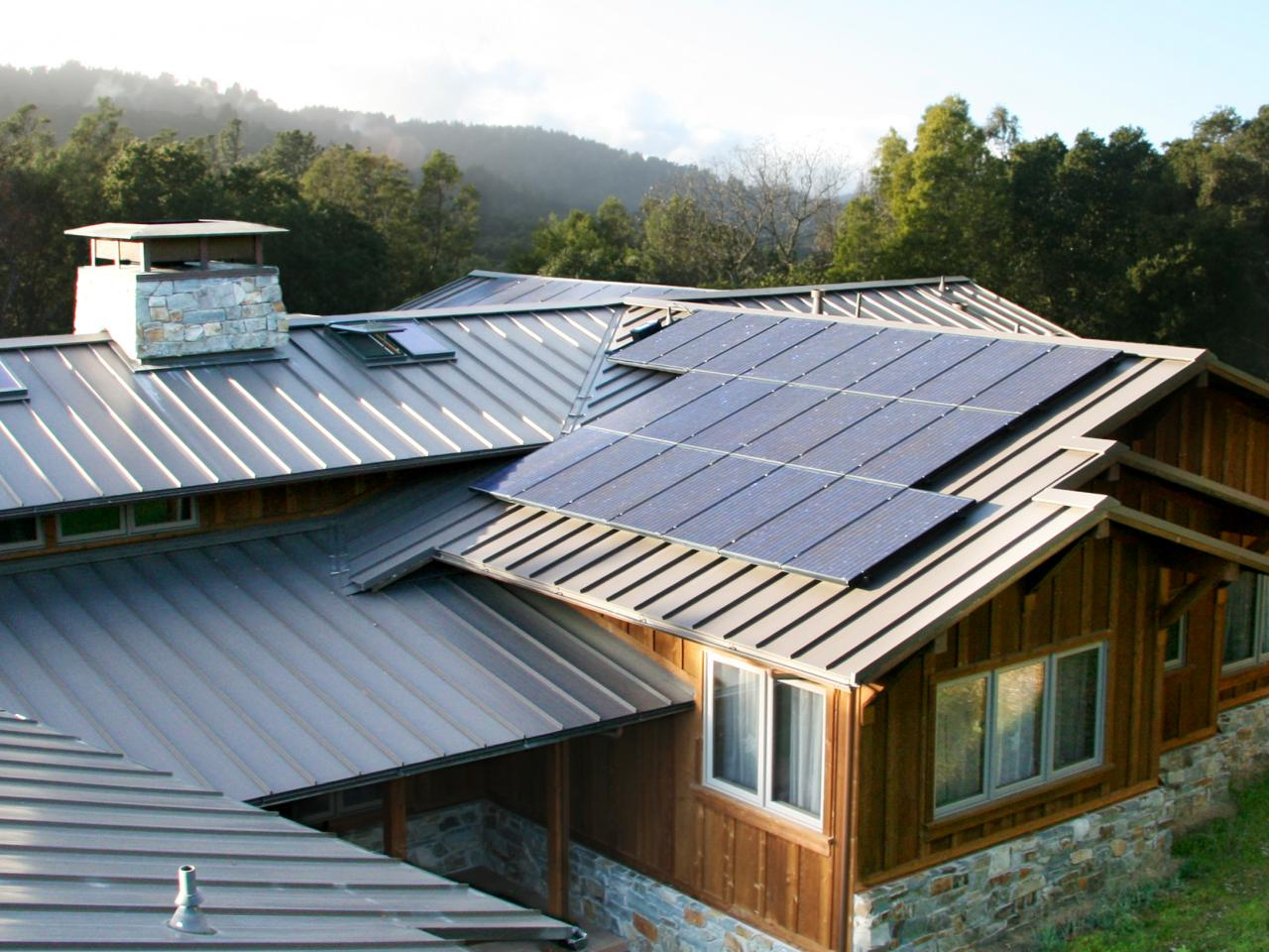 Solar Power: How to Compare Costs and Benefits | HGTV