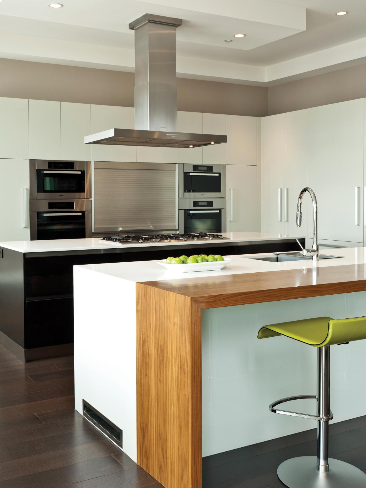 Ready made kitchen cabinets pictures options tips for Ready made kitchen units