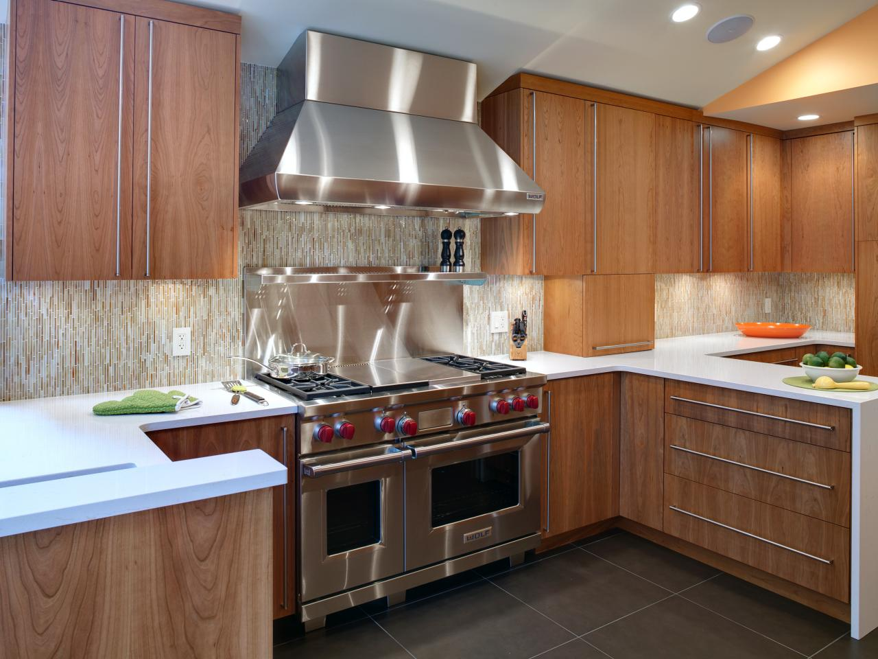 Choosing kitchen appliances hgtv for Cheap modern kitchen designs