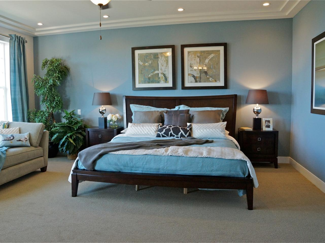 Photos hgtv Blue and tan bedroom decorating ideas