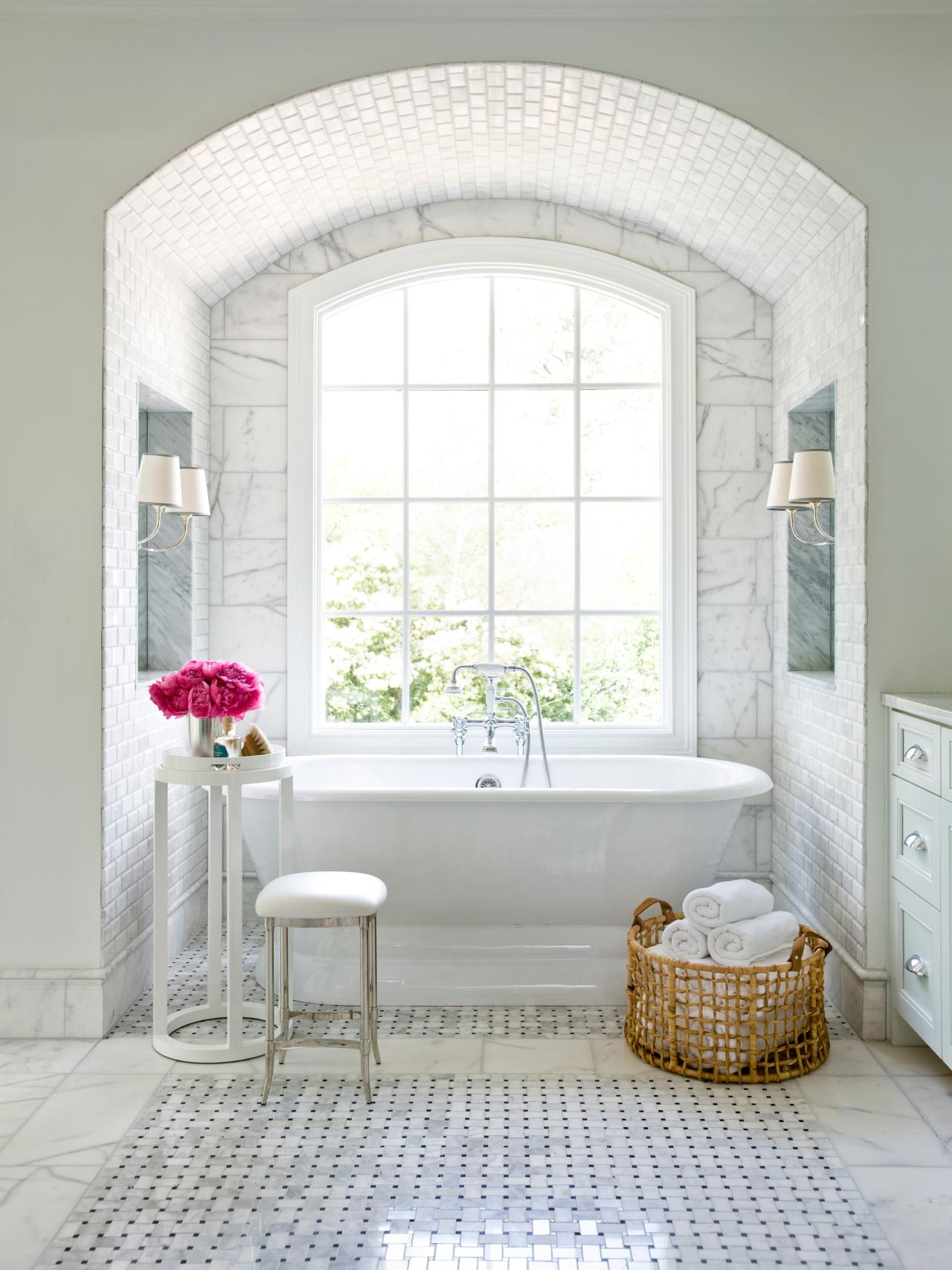 Top 20 Bathroom Tile Trends of 2017 | HGTV\u0027s Decorating \u0026 Design ...