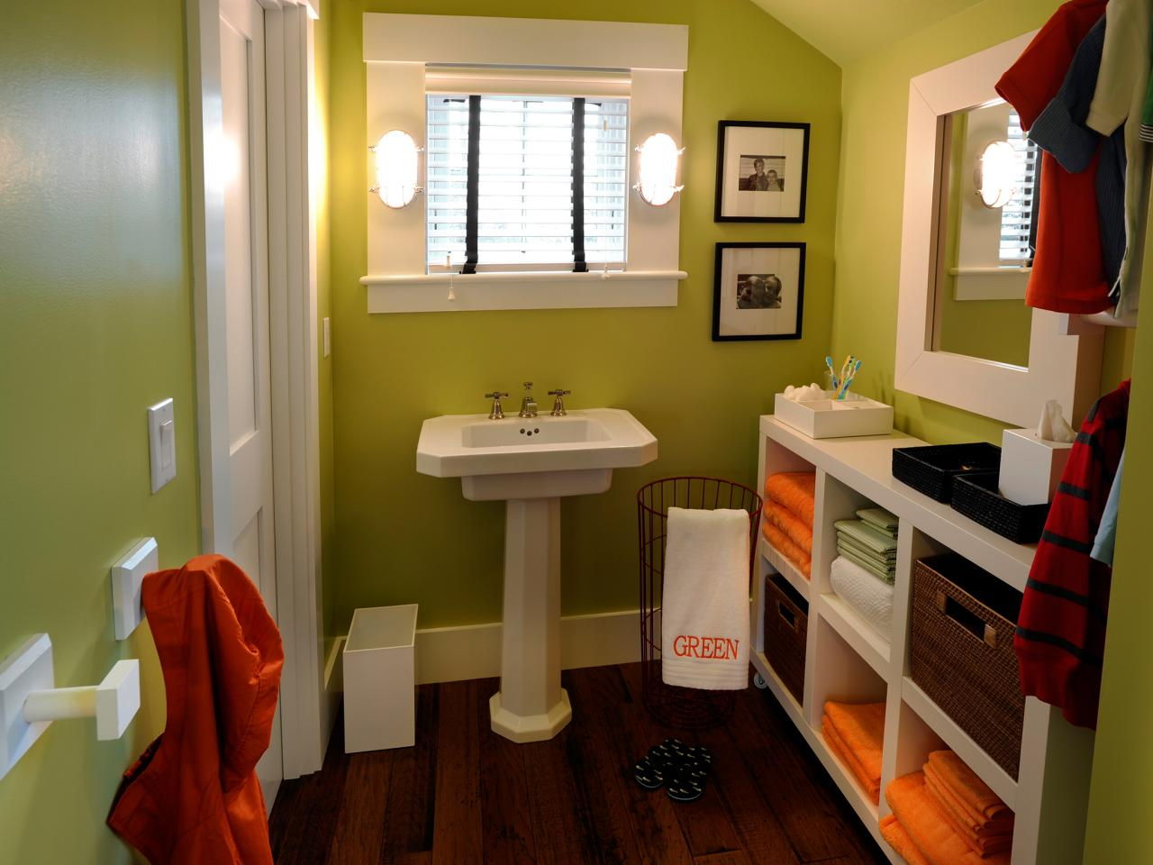 Light green and brown bathroom - Going Greener