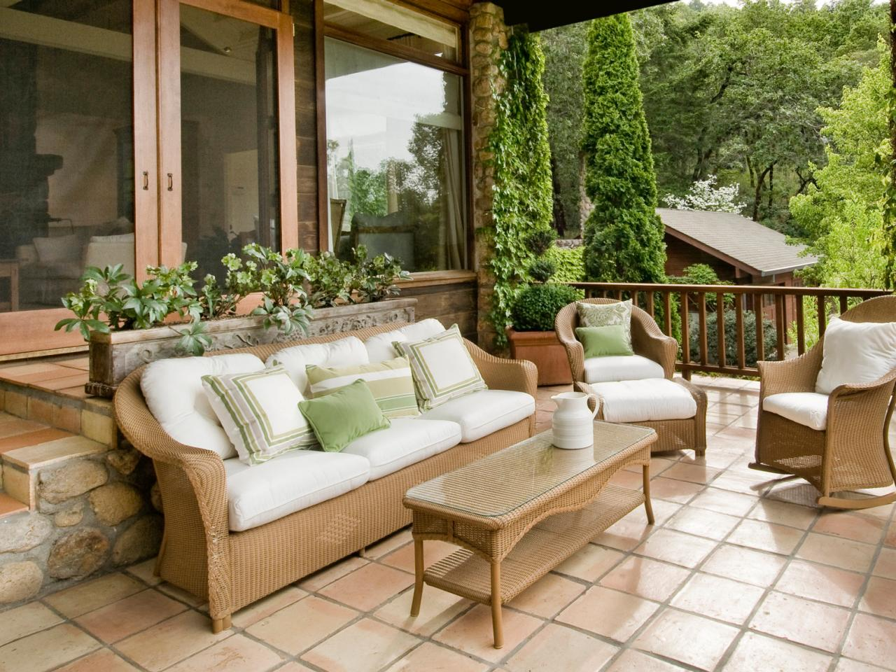 Patio Tiles | HGTV