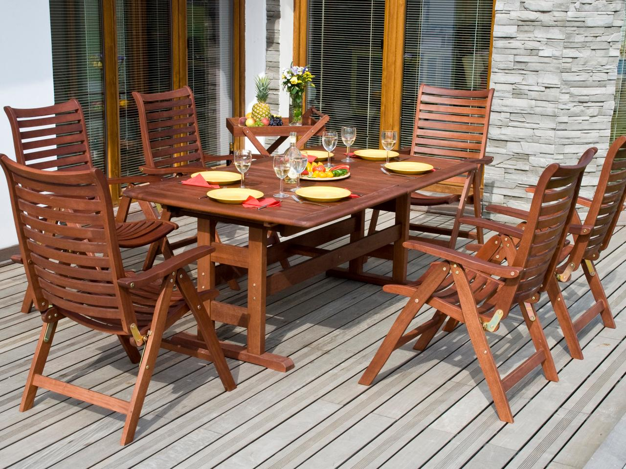 Teak patio furniture hgtv for Teak wood patio furniture
