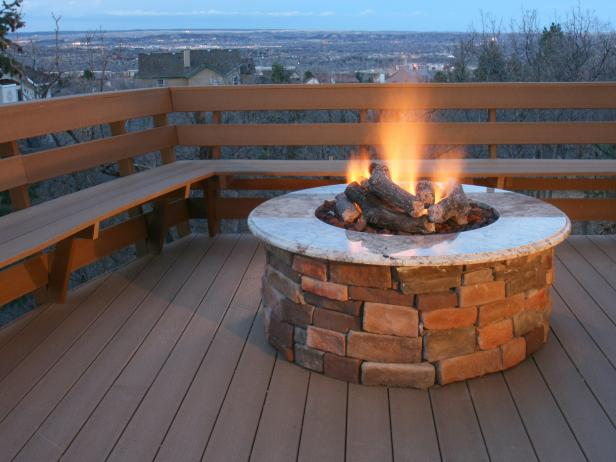 Brick and concrete fire pits hgtv for Brick fire pit construction