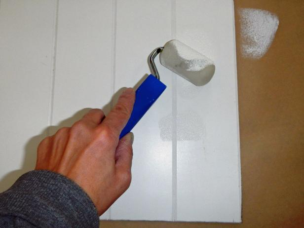 Original-Beadboard-Backsplash_painting-beadboard-step6_s4x3