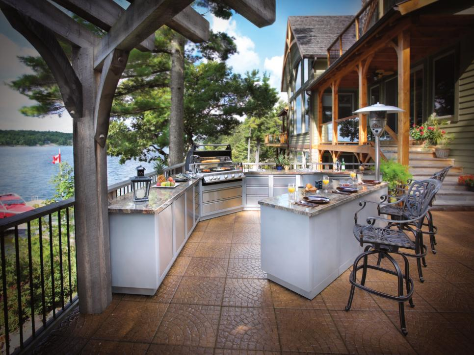 55 patio bars outdoor dining rooms hgtv 28 outside amp nautical kitchen design ideas with pizza oven