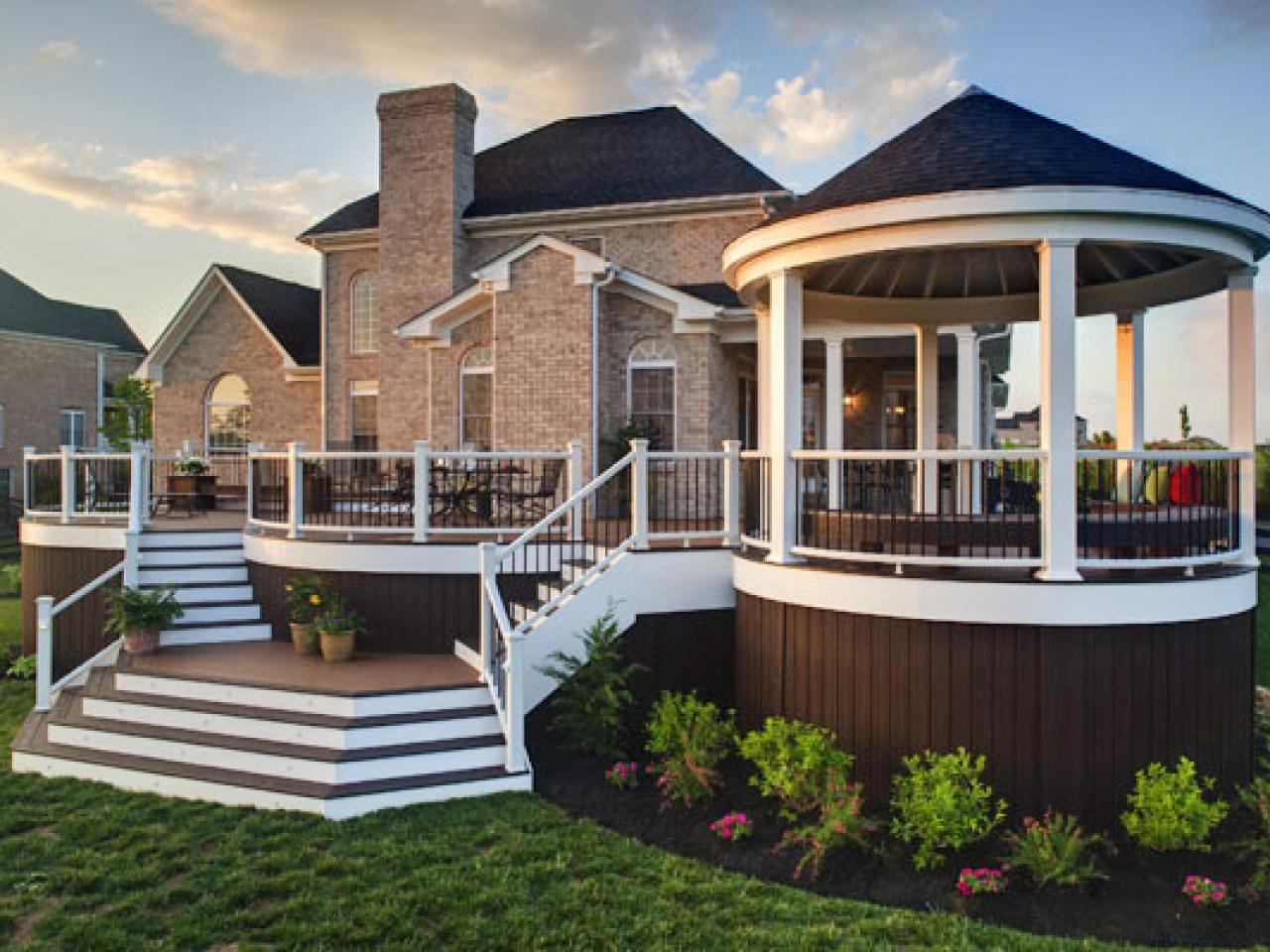 Amazing deck designs outdoor design landscaping ideas for Incredible home designs