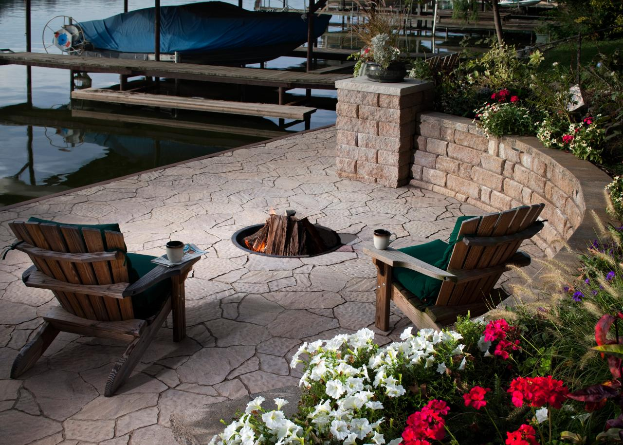 Outdoor Fire Pit Designs: Pictures, Options, Tips & Ideas | HGTV