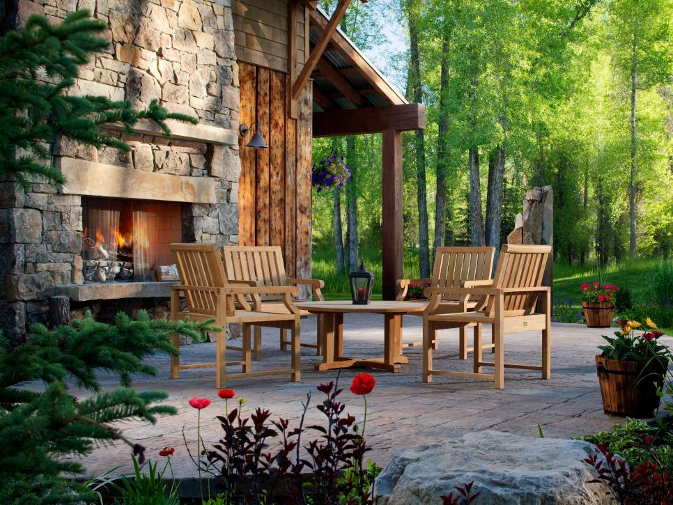 decked out - Outdoor Fireplace Design Ideas