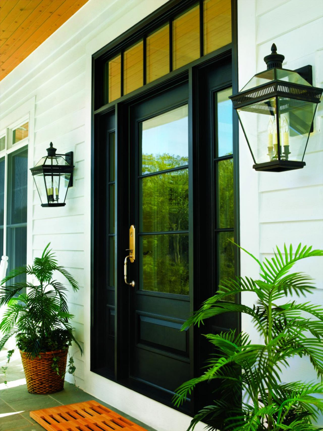 Ways to light your outdoor entryway hgtv for Anderson front doors
