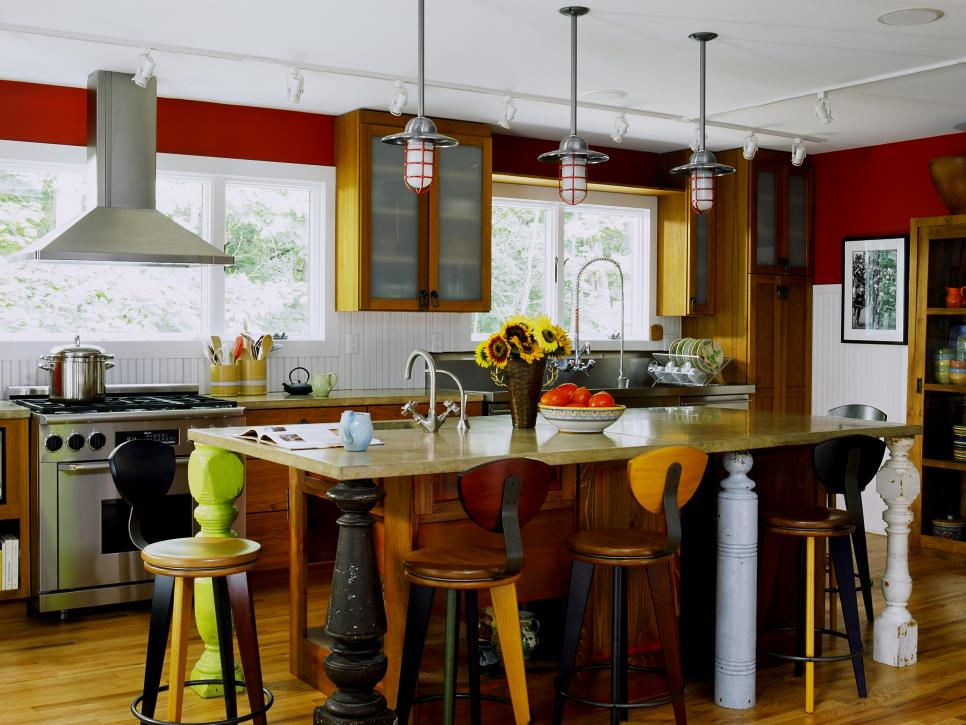 8 red kitchens to die for hgtv for Red wall kitchen ideas
